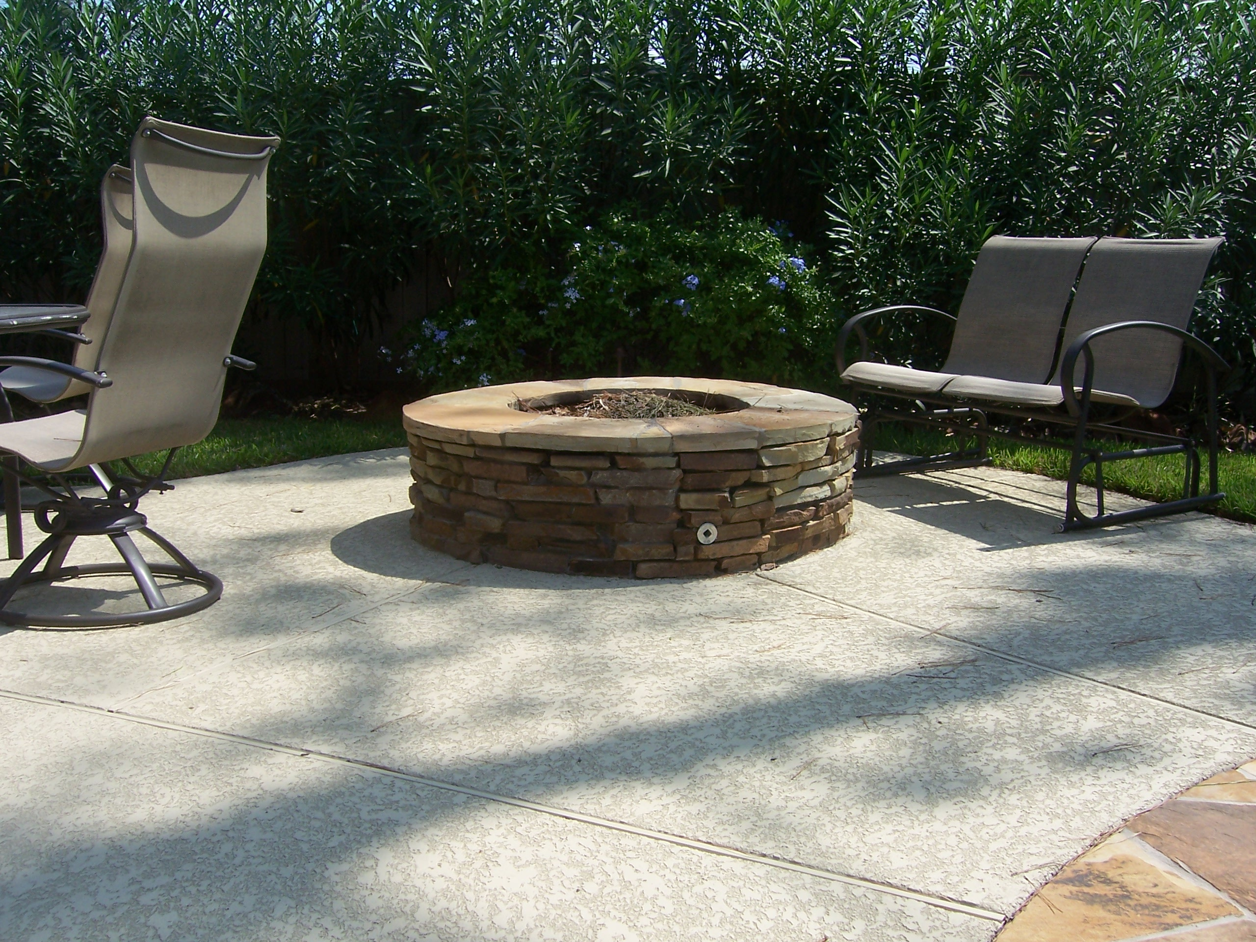 3 Reasons To Build A Backyard Fire Pit In Katy Texas Cjs Yardworks